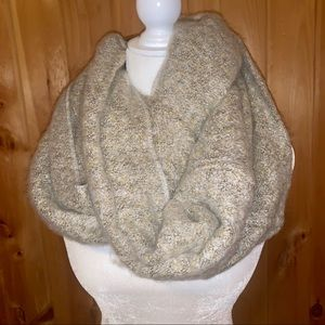 Mix it thick and warm infinity scarf Ivory/tan NWT